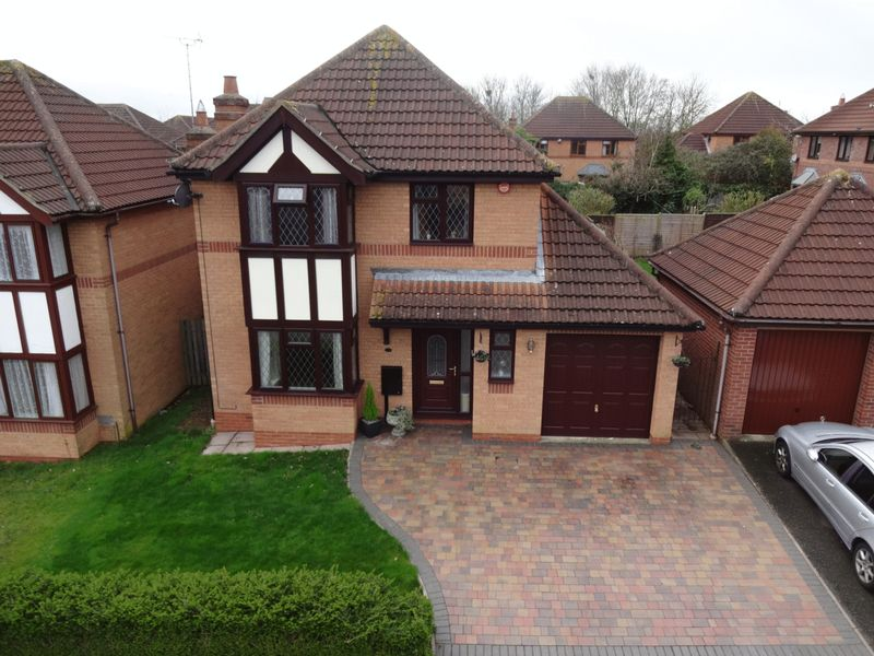4 Bedrooms Detached House for sale in Mayditch Place, MILTON KEYNES